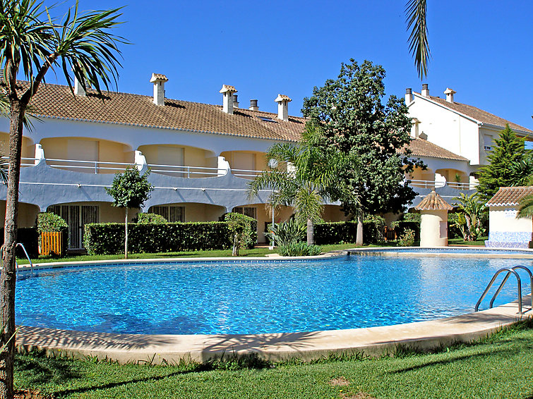 Дом Urb La Esmeralda с террасой и со стиральной машиной