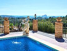 Los Olivos con piscina und forno