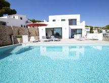 Villa Delsol med pool og til bjergvandring