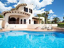 Luz y Paz met open haard en zwembad