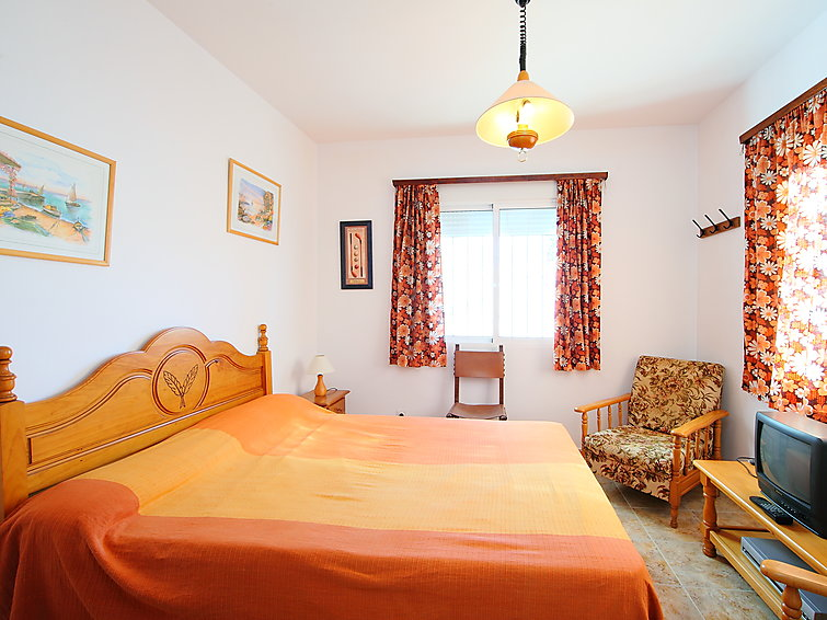 Holiday accommodation Bermon (6p) with private swimmingpool in Torrevieja Spain (I-610)