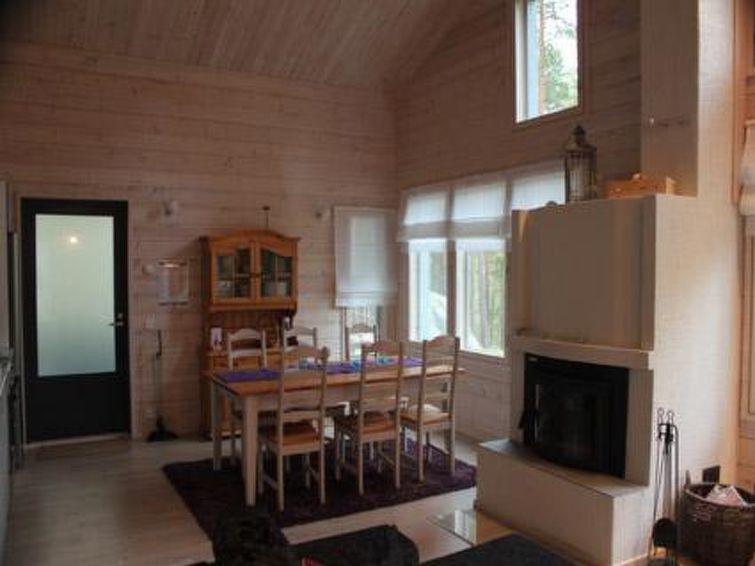Ferie hjem Hopeakallio med ovn og pejs