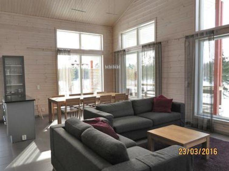 Ferie hjem Tallusniemi 2 med bruser og dvd-afspiller