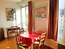 Paris/18 - Appartement Houdon