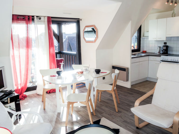 Deauville-Trouville accommodation cottages for rent in Deauville-Trouville apartments to rent in Deauville-Trouville holiday homes to rent in Deauville-Trouville