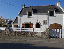 Kergroix mit Terrasse und Ofen