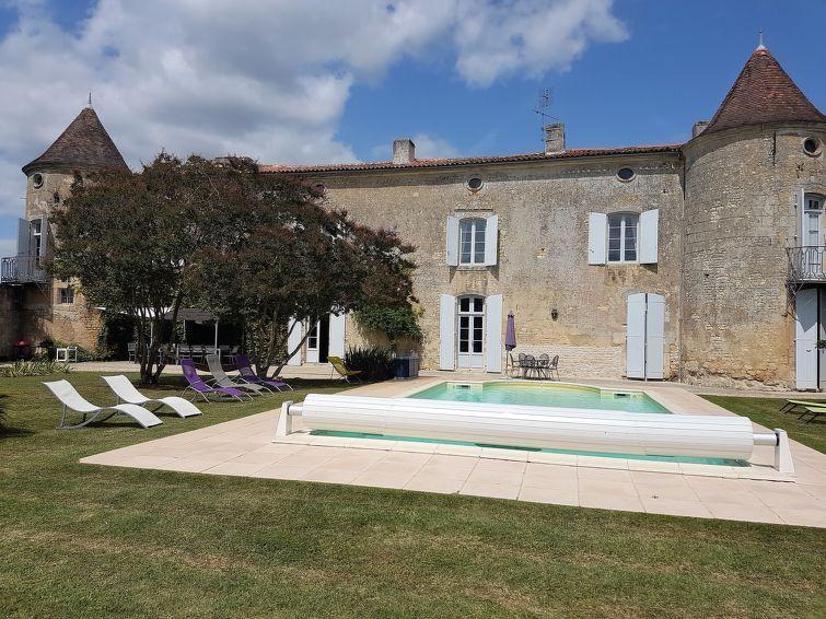 Castle Excellent Tuinmeubelen.Vakantiehuis Le Manoir Des Touches In Gemozac Fr3236 100 1