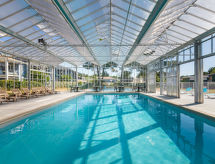 L'estuaire con piscina climatizada y wlan