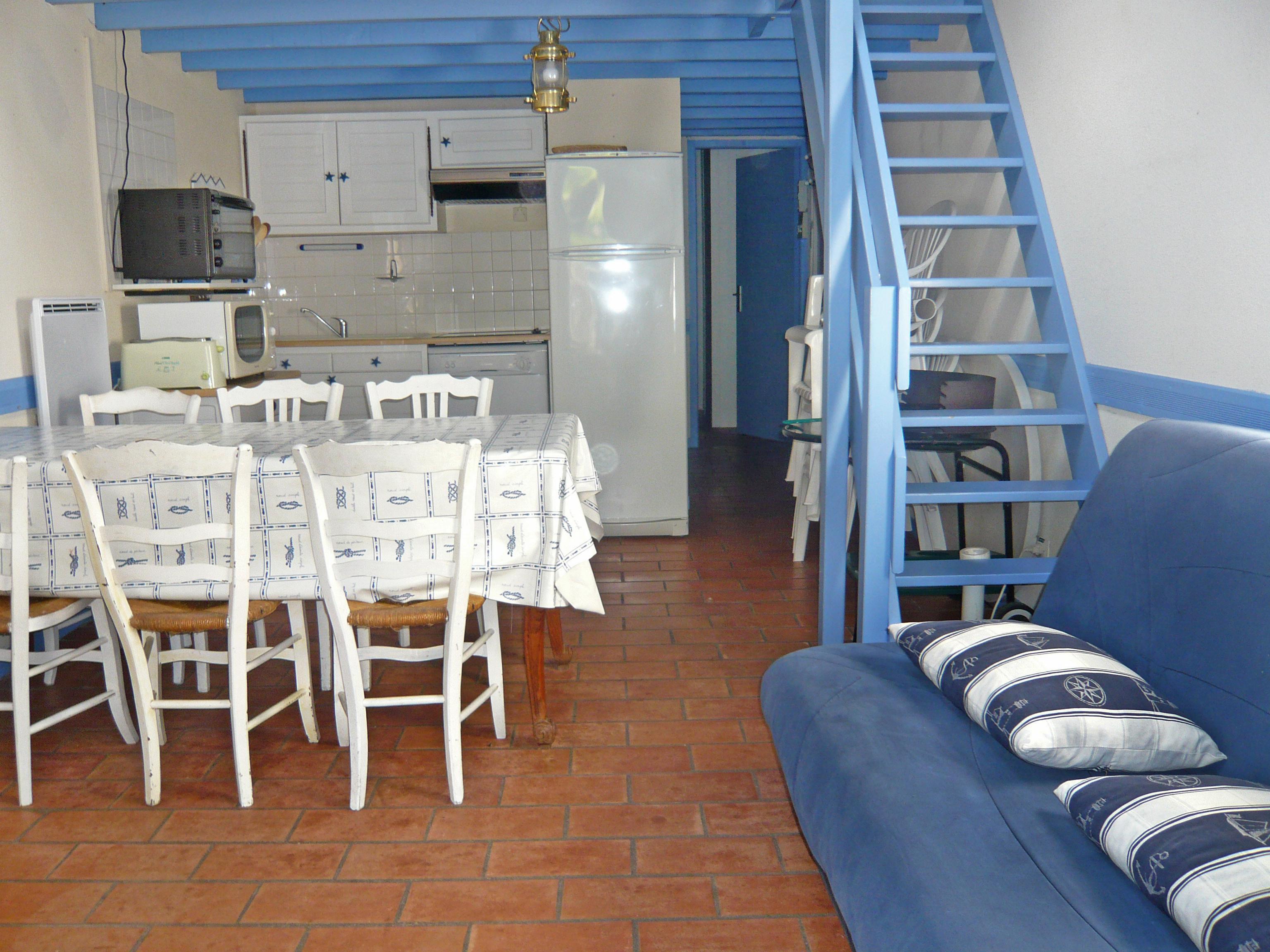Interieur maison landaise maison moderne for Interieur maison original