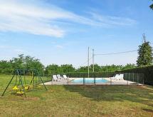 Ferienhaus mit Pool (AMA204)
