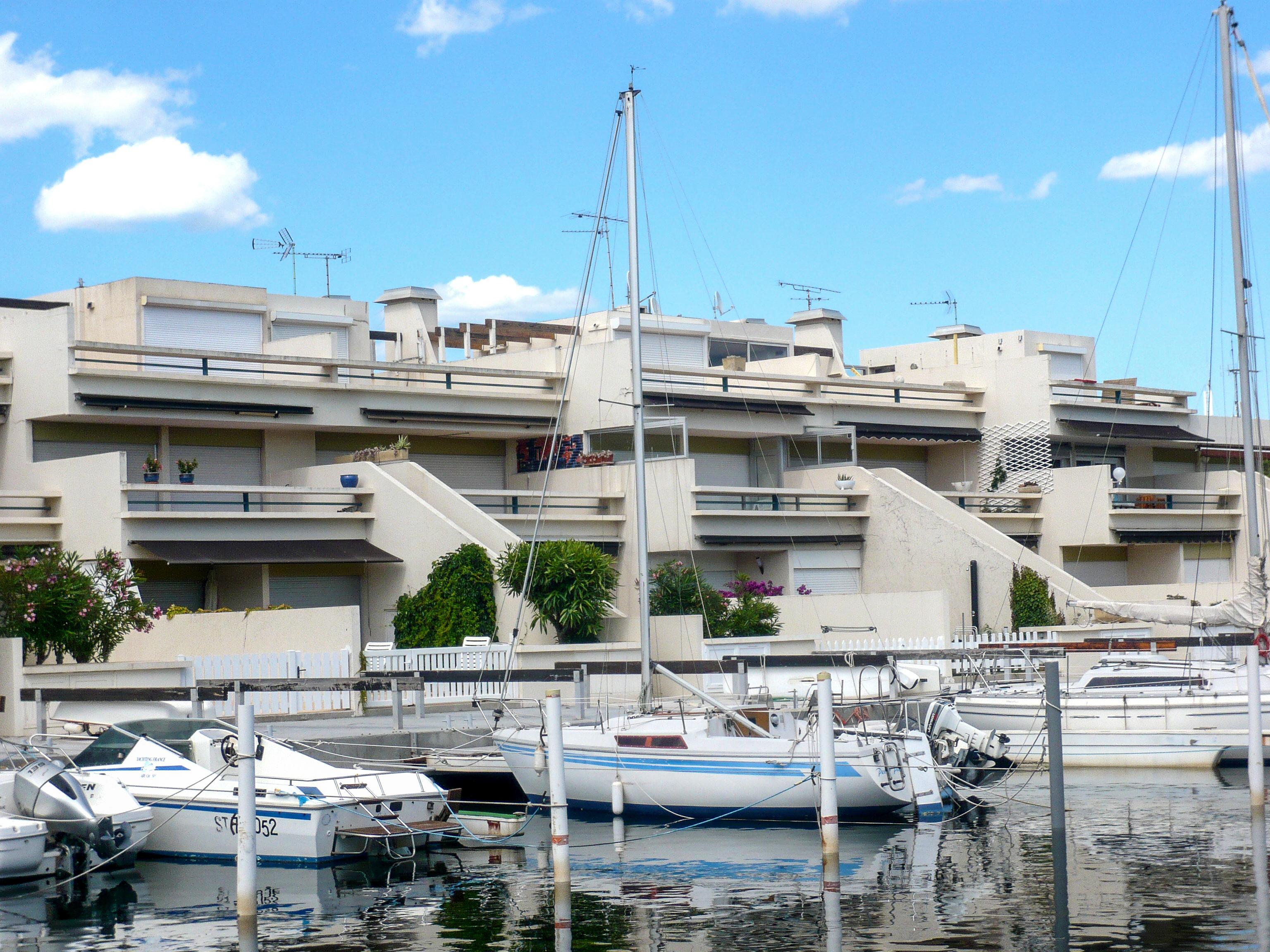 port camargue france appartement les marinas d 39 ulysse iv. Black Bedroom Furniture Sets. Home Design Ideas