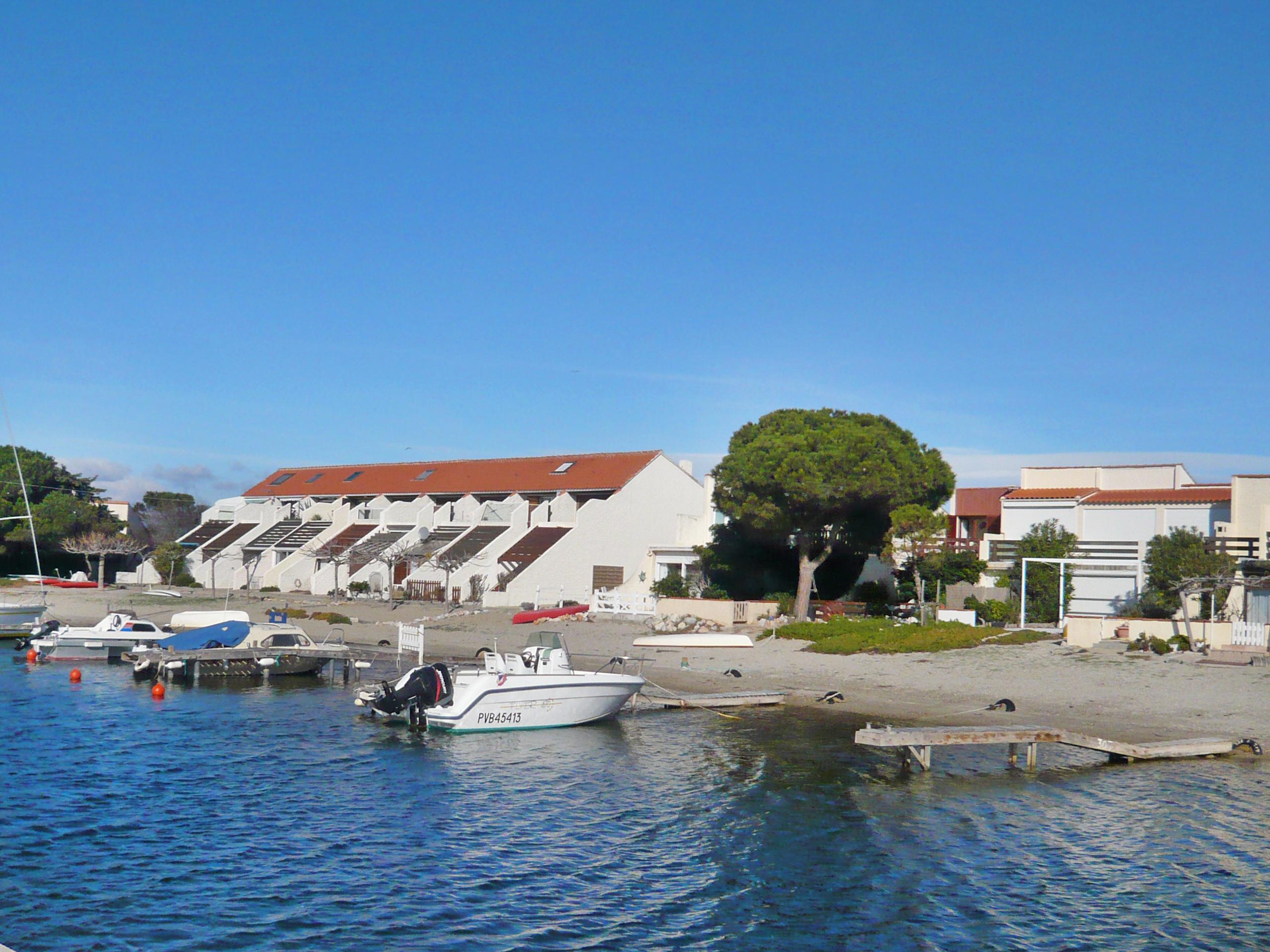 Port leucate france maison de vacances marina plage for Piscine marinal