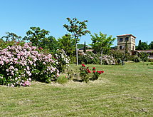 Les Ecuries avec jardin et four