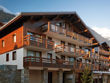 Lagrange Les Chalets du Mont Blanc yürüyüş ovaları için ve balkonlu
