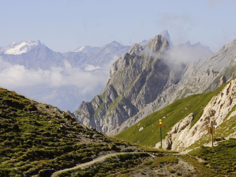 Le Cheval Blanc - Slide 1