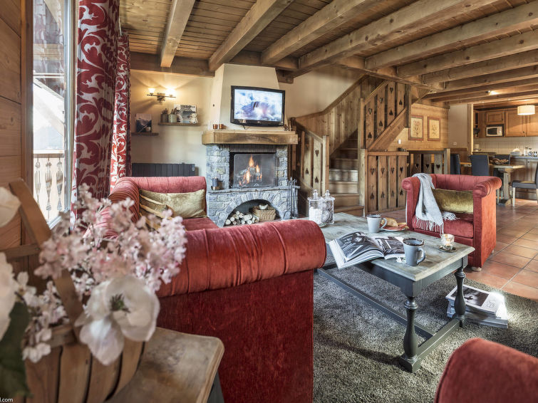 Photo of the lounge area of Les Montagnettes in Coourchevel