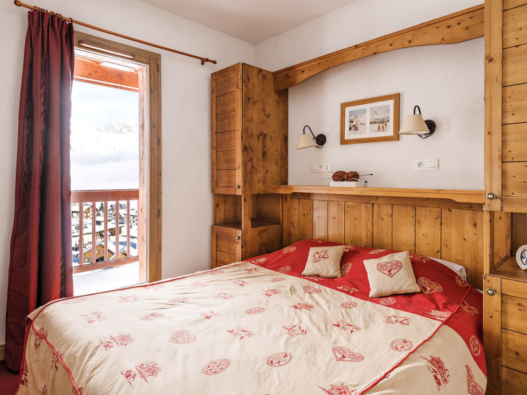 La Toussuire accommodation chalets for rent in La Toussuire apartments to rent in La Toussuire holiday homes to rent in La Toussuire