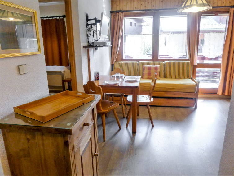 Apartment Les Jardins du Mont-Blanc in Chamonix FR7460.545.5 | Interhome