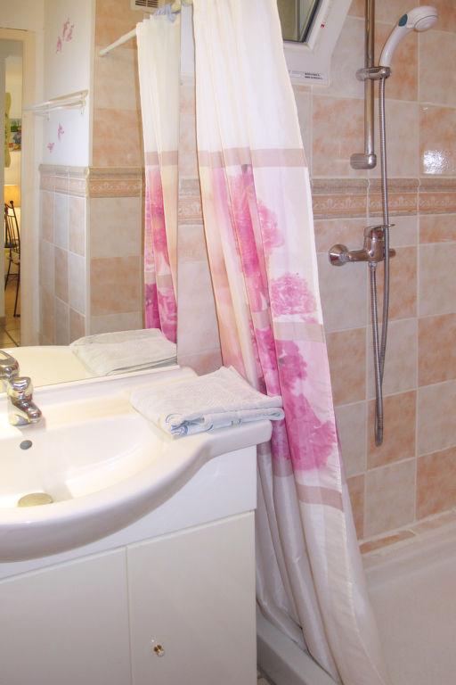 Holiday apartment Les Lauriers (MLM110) (266622), Mallemort, Bouches-du-Rhône, Provence - Alps - Côte d'Azur, France, picture 9