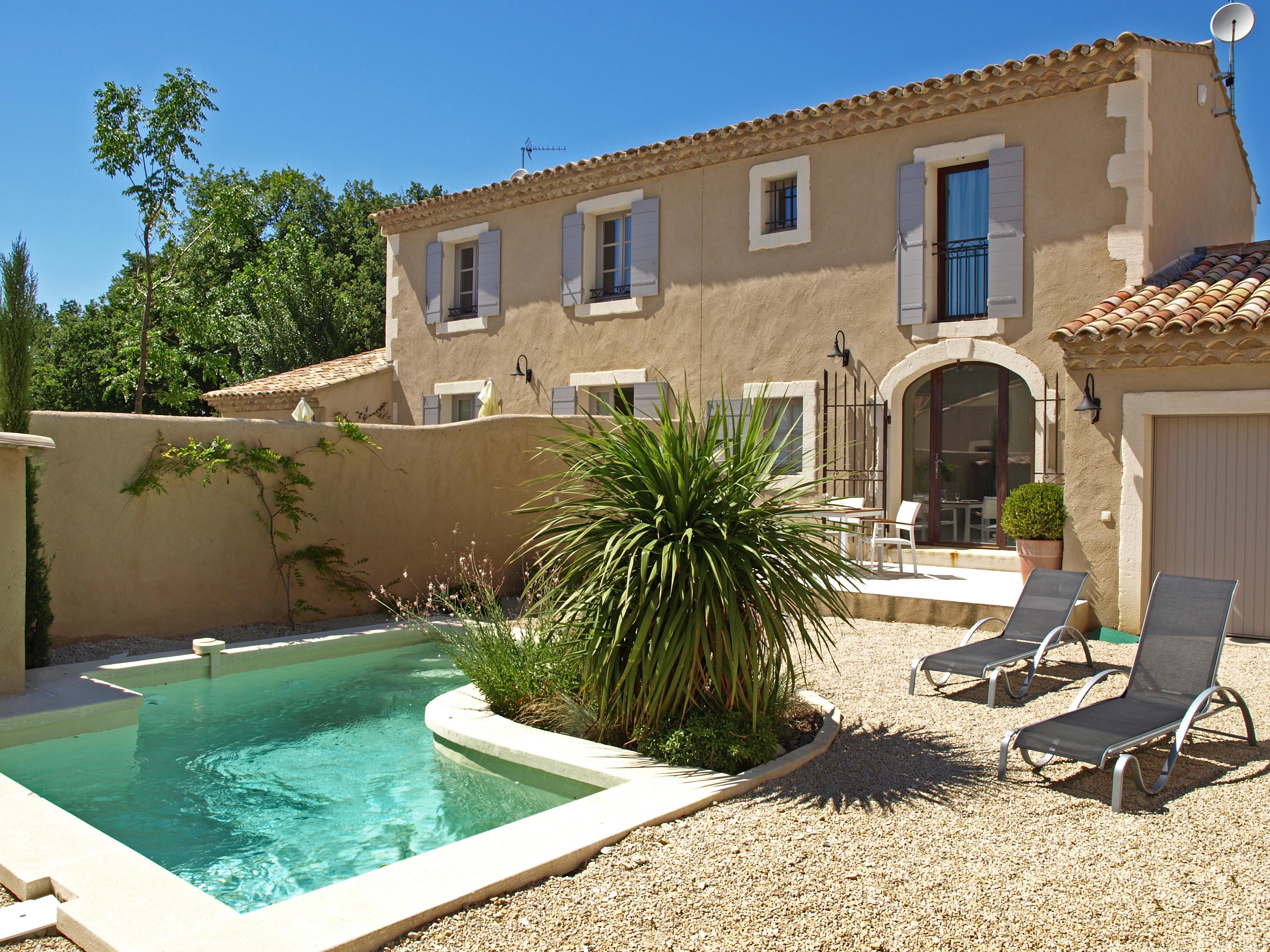 Saint r my de provence france maison de vacances buis for Entretien jardin st remy de provence