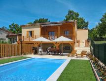 Cruis - Ferienhaus Ferienhaus mit Pool (MLF100)