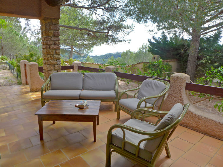 Villa (10p) La Lezardiere with pool and fireplace in South-France (I-805)