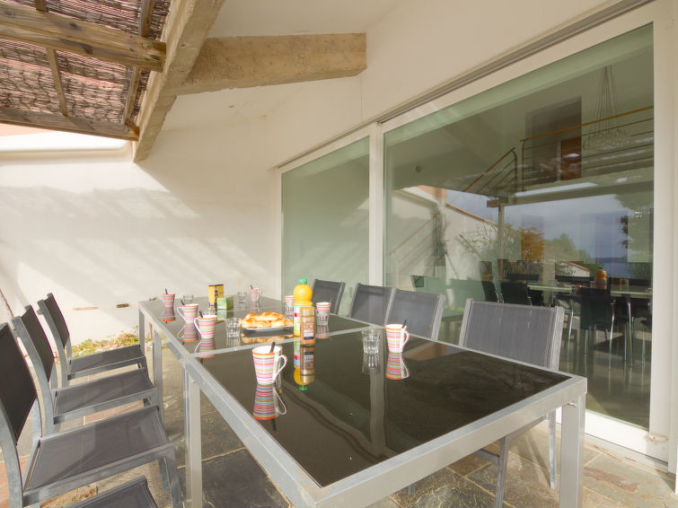 Detached modern villa (10p) Les Cystes 1 with sauna and private pool in South-France (I-803)