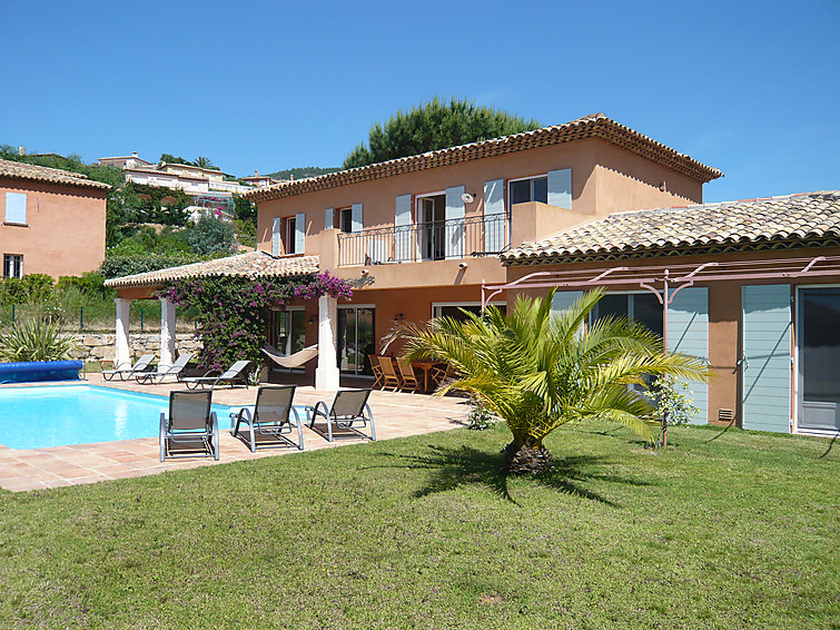Detached spacious villa (10p) Les Suves 2 with pool near the sea in South-France (I-804)