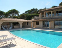 Cavalaire - Holiday House Ferienhaus mit Pool (CAV160)