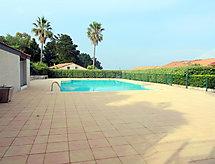 Domaine des Vignes mit Parkplatz und zum Golfen