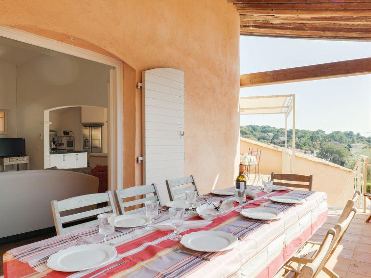 Vrijstaande villa (10p) Le Petit Rouveau met zeezicht, prive zwembad en wifi in Ste Maxime (I-801)