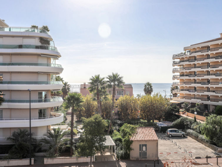 Le Marly Accommodation in Fréjus