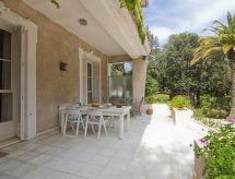 La Rencontre mit Balkon und zum Reiten