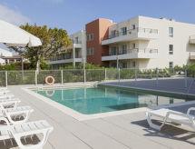 Comfort suite Mandelieu ile Teraslı ve Bahçe