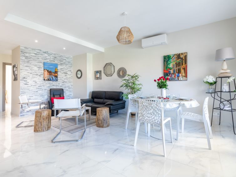 Le Puget Apartment in Cannes