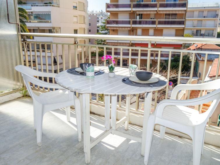 Presqu'Ile Apartment in Cannes
