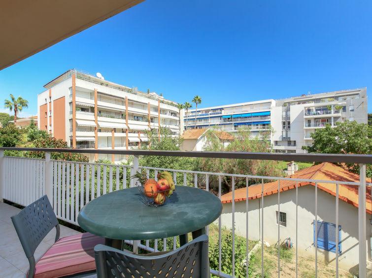 Santa Cruz Apartment in Cannes