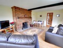 Folkestone - Dover - Holiday House Walnut