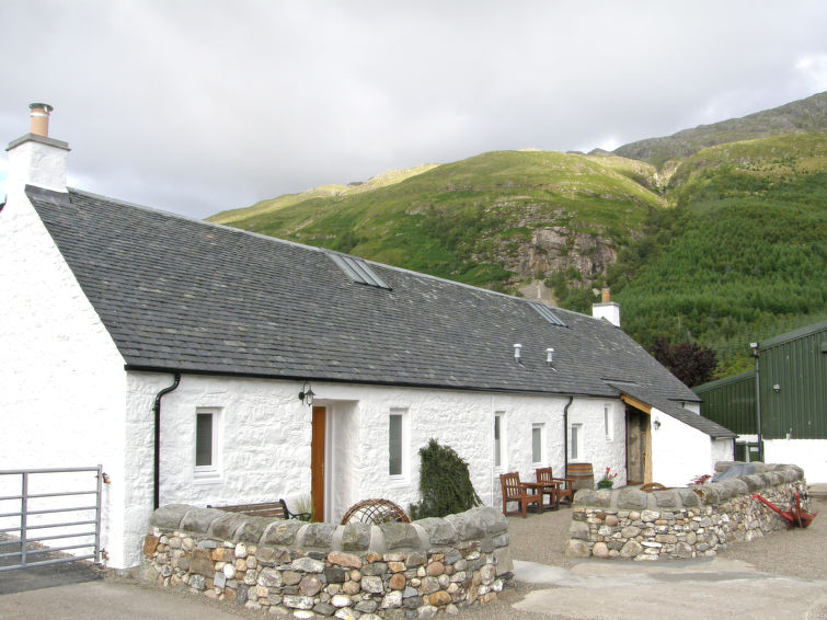 Holiday Home Shepherd's Bothy with parking and internet