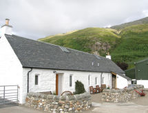 Shepherd's Bothy with parking and internet