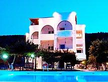 Villa Agnanti med gjerder og oppvaskmaskin