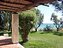 Kourouta Beach with garden and fireplace