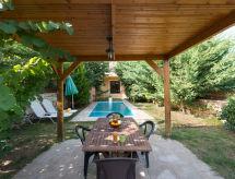 Villa Melodia mit Pool und Internet