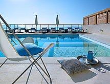 Villa Apoi con reproductor dvd y vistas al mar