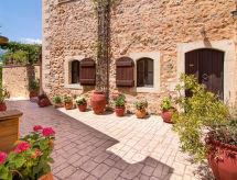 Fliskouni Red Villa