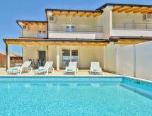 Buje/Plovanija - Vakantiehuis Villa Mare