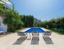 Umag - Vacation House Villa Toni