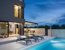 Umag - Vacation House Oliva 2