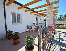 Umag/Zambratija - Holiday House Anna 2