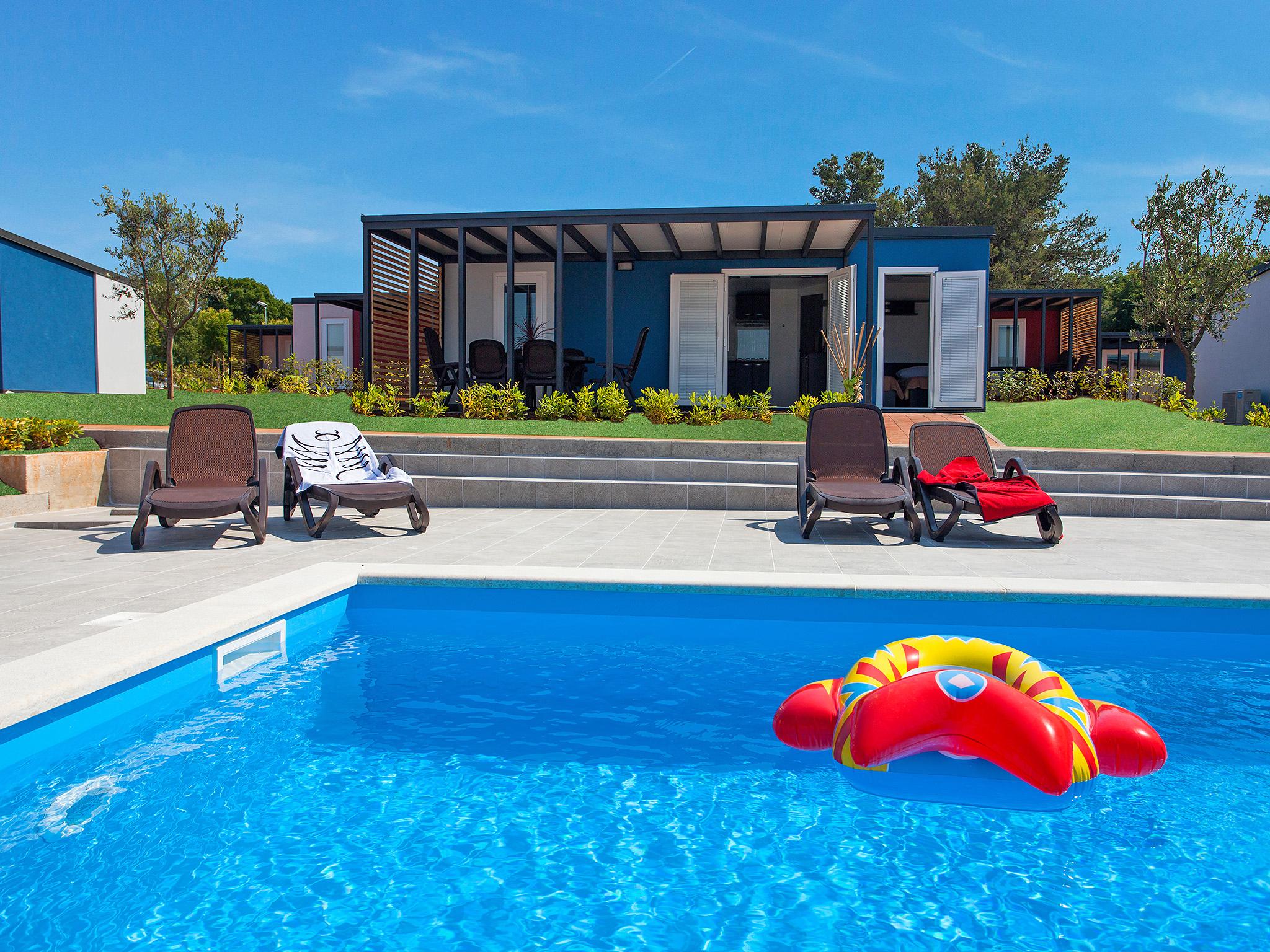 ferienhaus camping kastanija in novigrad istra kroatien interhome. Black Bedroom Furniture Sets. Home Design Ideas